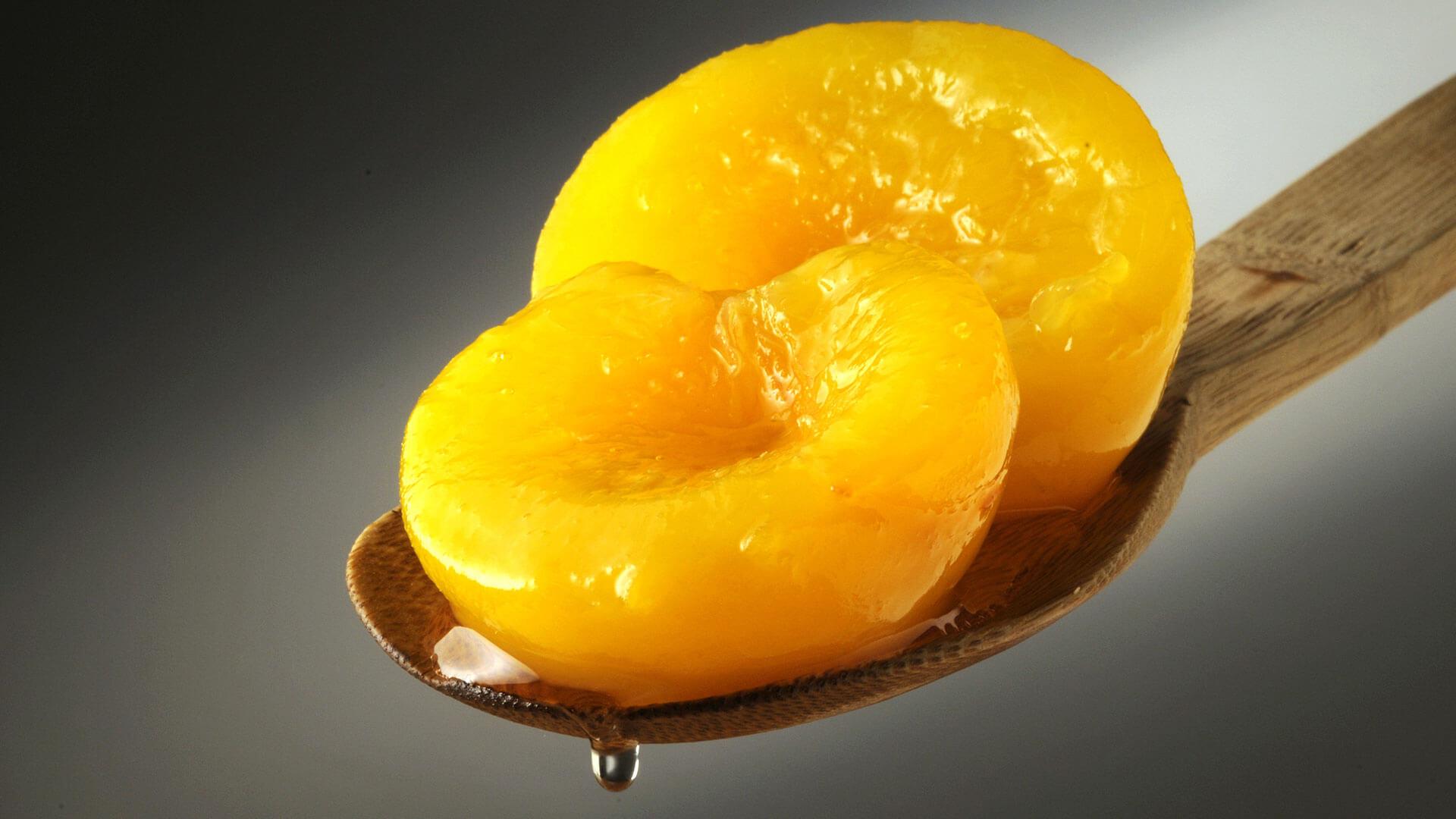 Frutta sciroppata brover